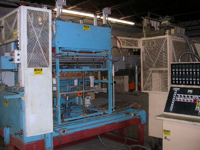 Lyle 130FHS 30 x 30 Cut in Place Thermoformer