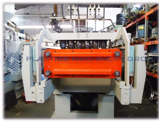 Uniloy 250R1 8-Head Blow Molder